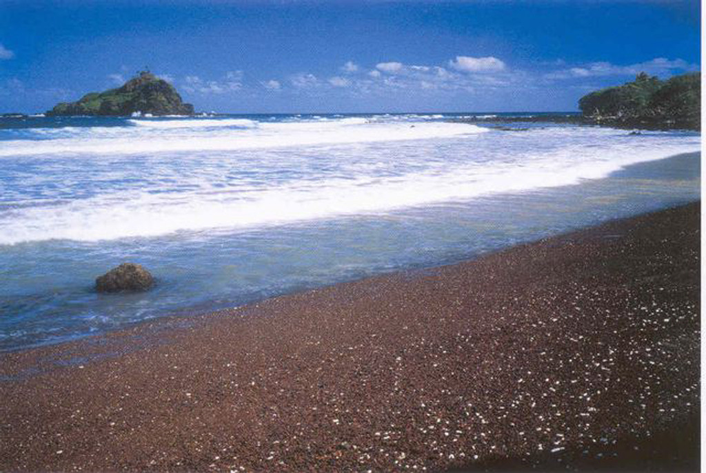P373 - Koki Beach Postcard 50 Pack
