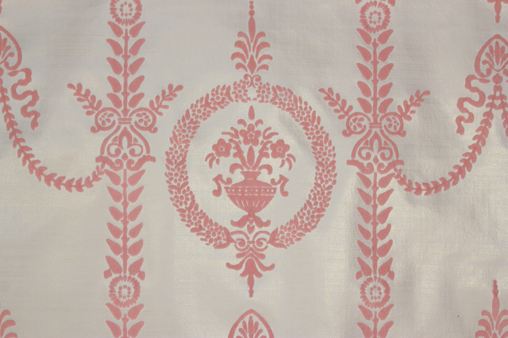 1970s Vintage Wallpaper Pink Victorian Flocked Design