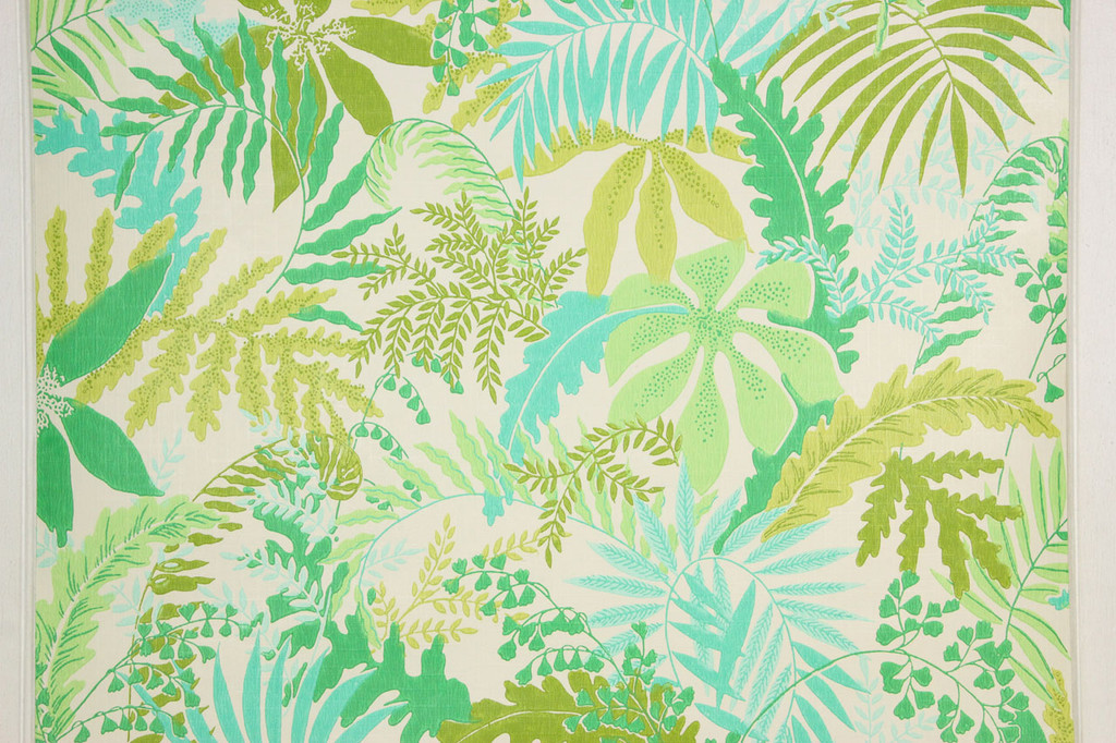 1970s Vintage Wallpaper Retro Shades of Green Leaves