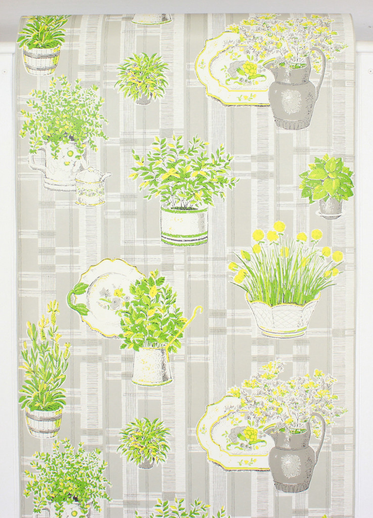 1970s Vintage Wallpaper Yellow Flowers on Gray