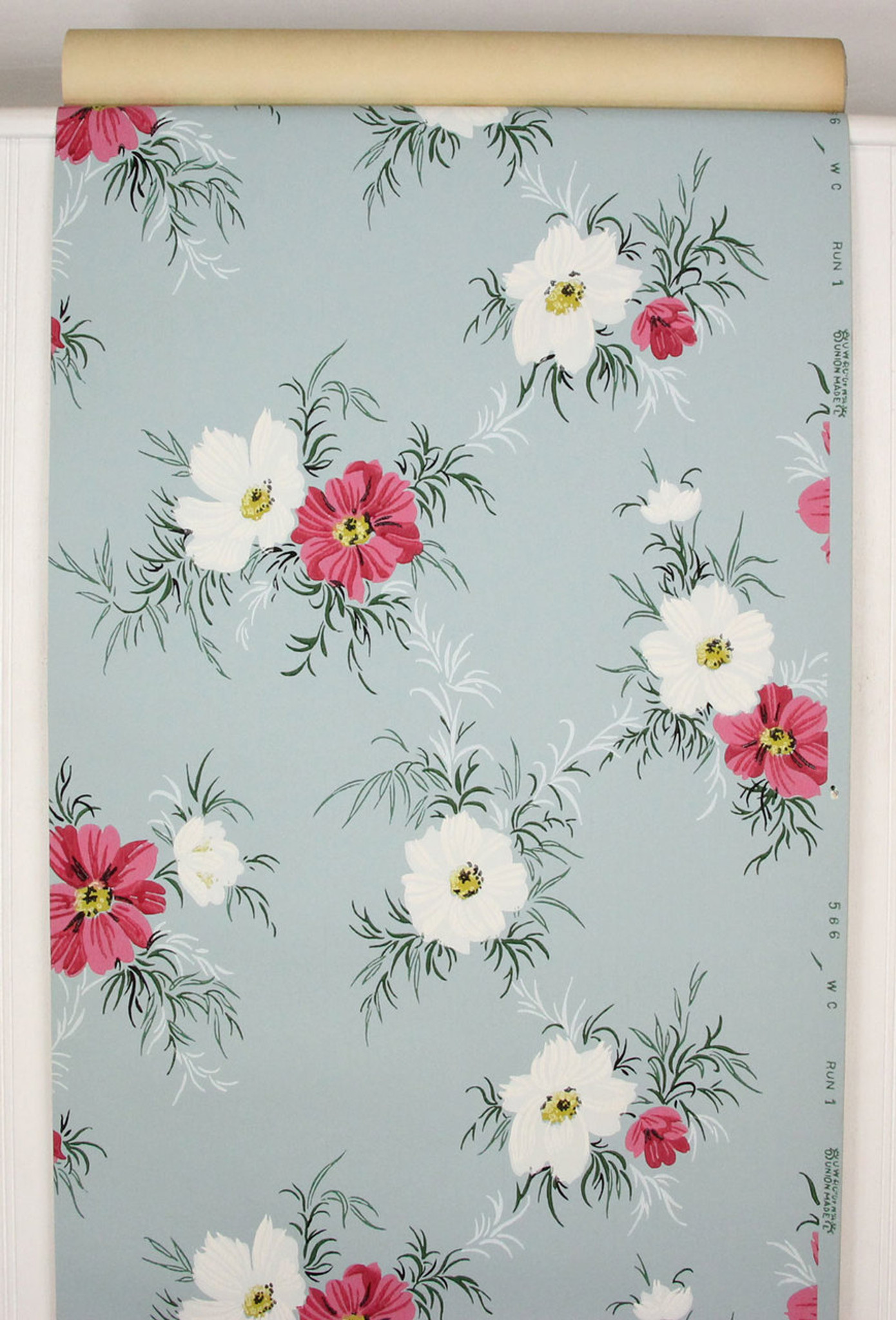 1940s Vintage Wallpaper Pink And White Flowers On Blue Rosies