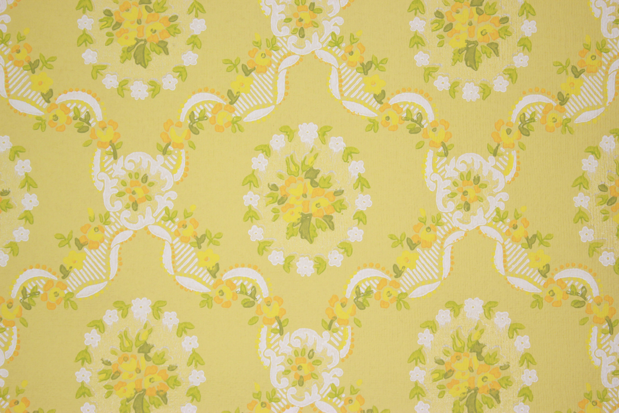 1970s Vintage Wallpaper Yellow And Orange Flower Bouquets Rosies