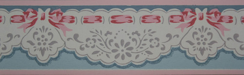 Trimz Vintage Wallpaper Border Pierced Scallops