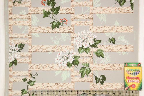 1940s Vintage Wallpaper White Flowers on Trellis
