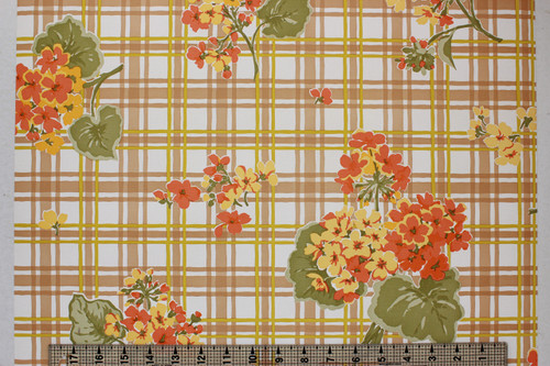 1970s Vintage Wallpaper Geraniums on Plaid
