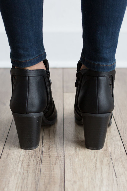 Tennessee Whiskey Cutout Booties - Black