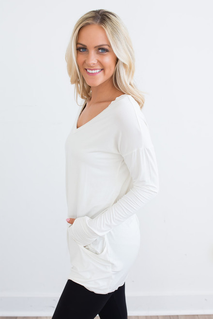 Lightweight V-Neck Pocket Pullover - Ivory