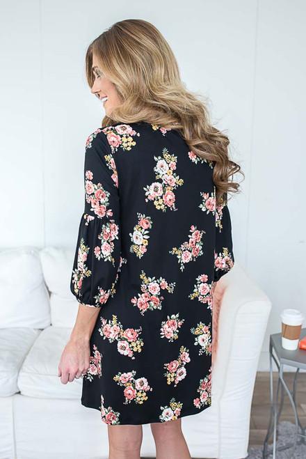 Everly Floral Print Shift Dress - Black