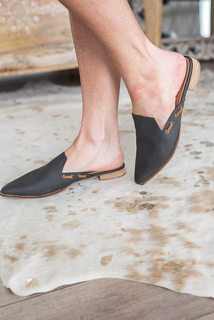 Market District Pointed Toe Mules - Charcoal