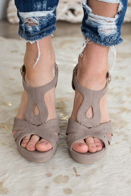 Seaside Resort Wedges - Taupe
