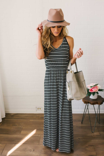 V-Neck Ribbed Striped Maxi - Black/White