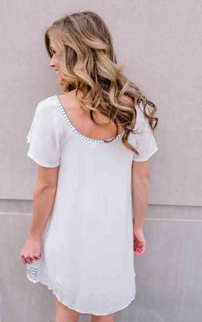 Short Sleeve Embroidered Crinkle Dress - Off White/Blue