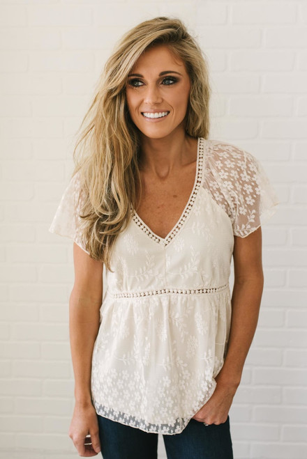 Short Sleeve V-Neck Lace Blouse - Cream