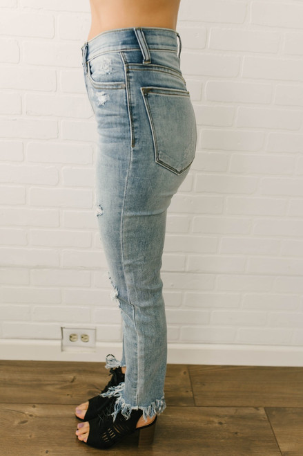 Counting Stars Distressed Frayed Skinny Jeans - Light Wash