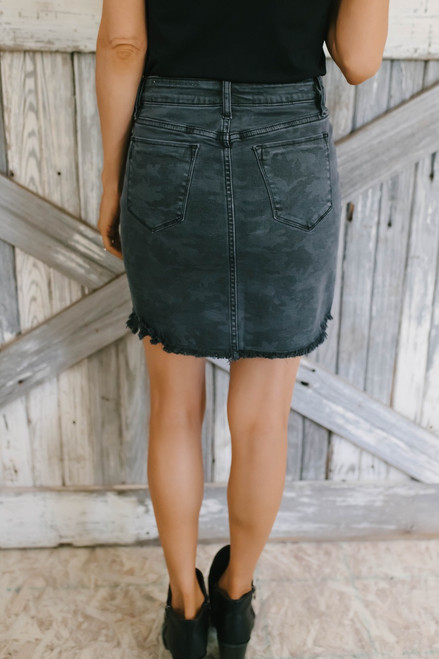 You Oughta Know Frayed Camo Skirt - Charcoal