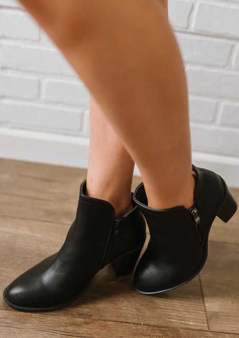 American Country Love Song Booties - Black