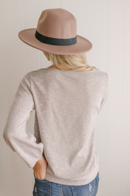 Southern Hospitality Ribbed Pullover - Mocha