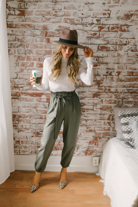 Sleepless in Seattle Paperbag Joggers - Olive