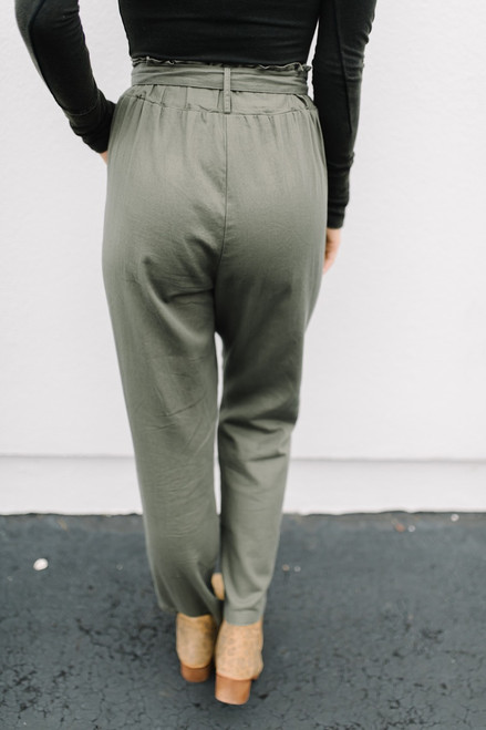 Stroll in Prague Paperbag Pants - Olive