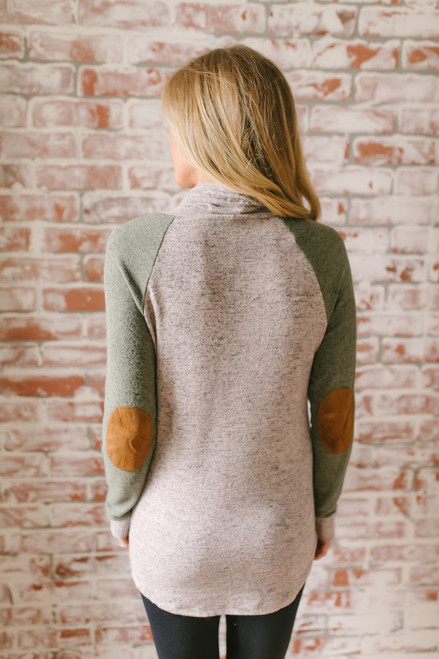 Soft Brushed Colorblock Pullover - Taupe/Olive