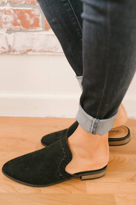 Italy in Autumn Stitched Mules - Black
