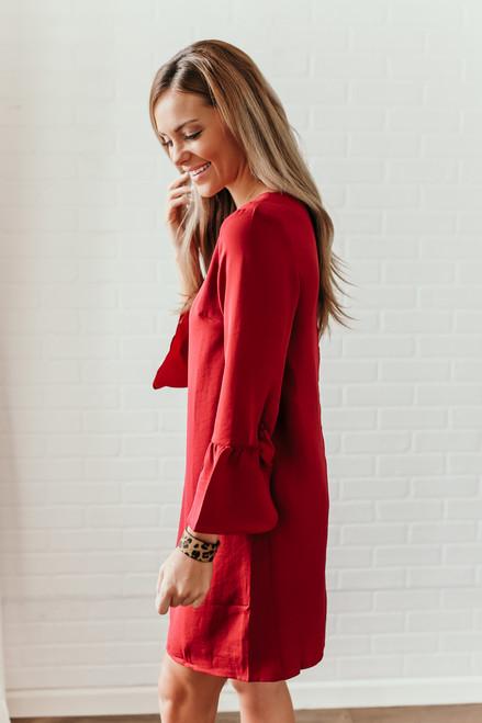 Everly Noelle Peplum Sleeve Shift Dress - Burgundy