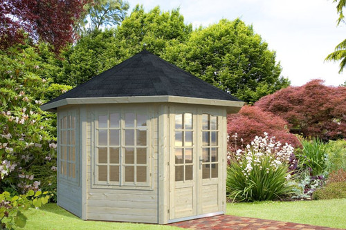 The Veronica 3 Log Cabin has 4 double windows, 2 either side of the double doors that form the entrance to this fantastic log cabin. This cabin is built with 34mm logs from Palmako.