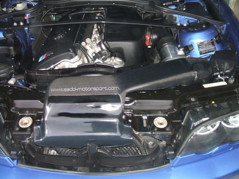 bmw-e46-m3-carbon-fibre-cold-air-intake-3.jpg