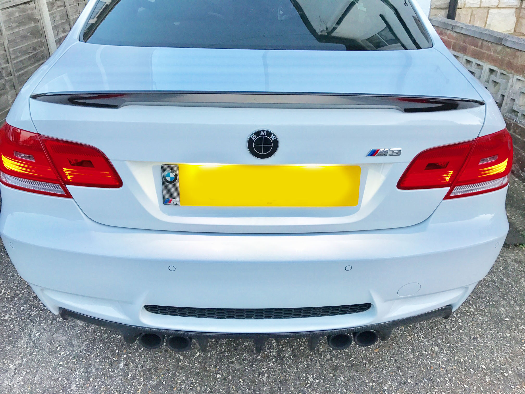 e92-performance-painted-spoiler-gloss-black-4.jpg