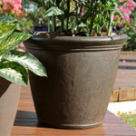 Sunnydaze Anjelica Indoor and Outdoor Resin Planter with Rust Finish, 24-Inch Diameter