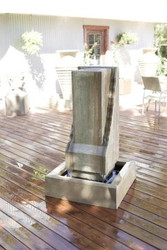 Scallop Monolith Water Fountain