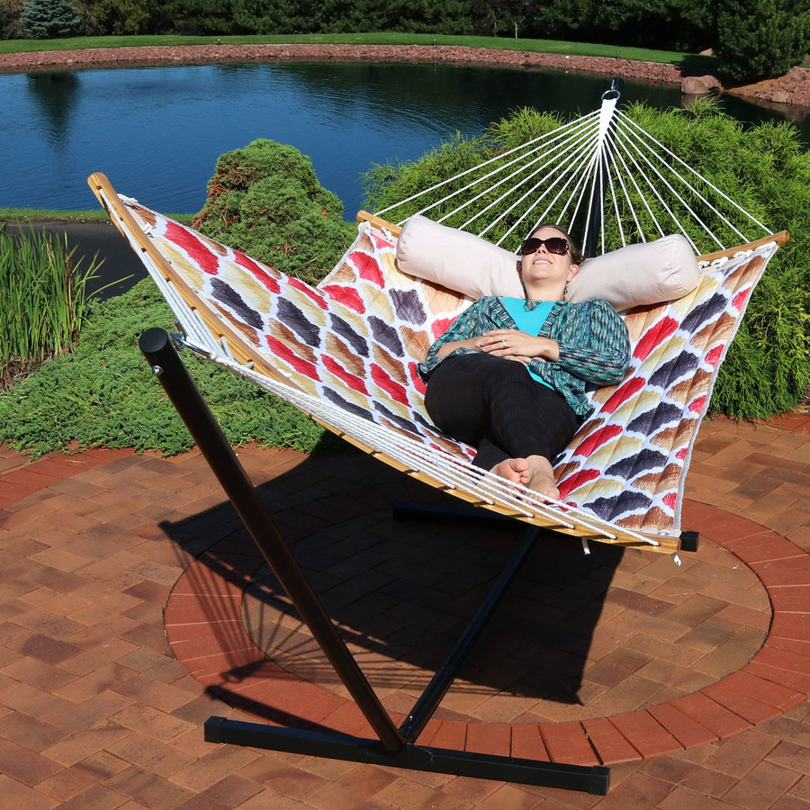 Quilted 2-Person Hammock with Curved Bamboo Spreader Bars, Red and Gold