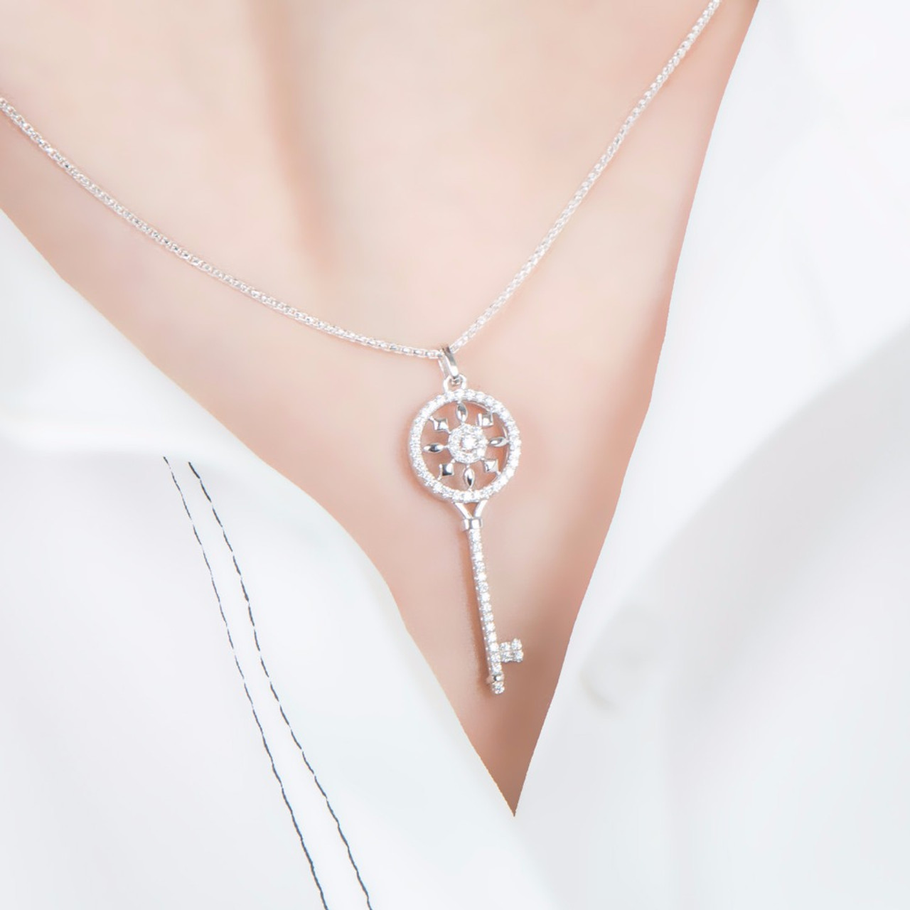 Sa silverage real 925 sterling silver crystal key necklaces pendants sa silverage real 925 sterling silver crystal key necklaces pendants for women silver chain pendant necklaces mozeypictures Images