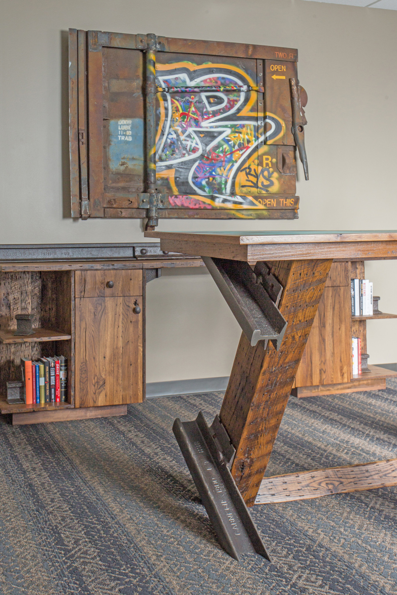 Standing Switchpoint Desk