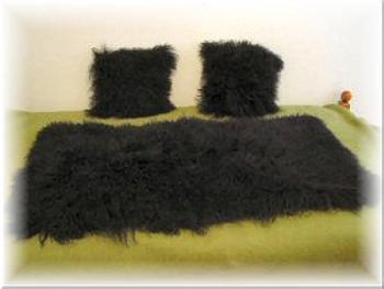 Curly Lamb Fur Throw and Fur Pillow Set