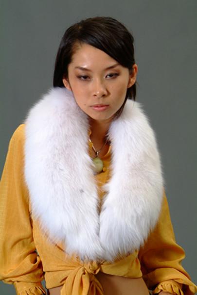 Buy White Fox Collar For This Winter Season