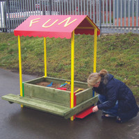 Sand pit transforms into Picnic Table