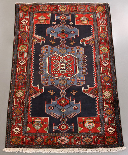 Zanjan Persian Rug (Ref 40726) 195x130cm