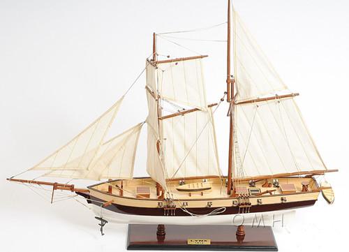 Pirate Privateer Lynx Topsail Schooner Ship Model