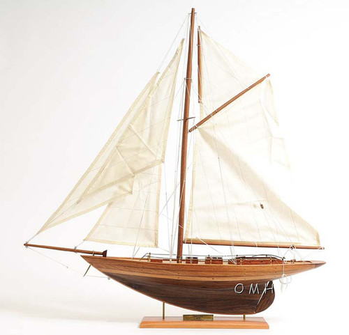 Eric Tabarlys Yacht Pen Duick Model Sailboat