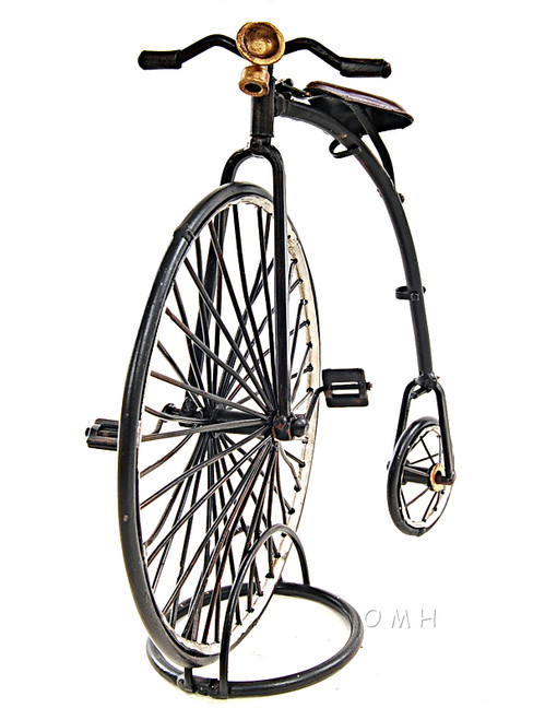 1870 High Wheeler Penny Farthing Metal Model Cycling Decor