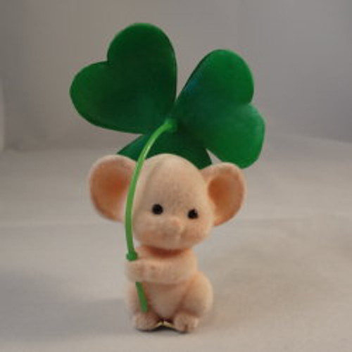 1983 Mouse With Clover Shamrock
