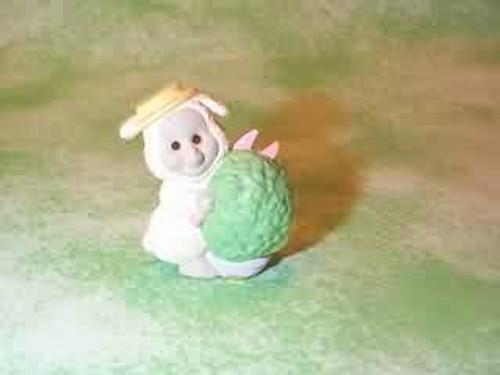 1993 Lamb Shearing Hedge