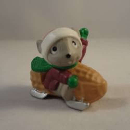1992 Mouse In Peanut Car