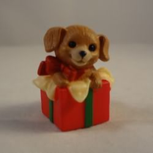 1984 Puppy In Gift Box