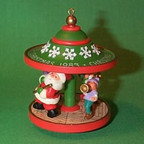 1983 Carousel #6F - Santa