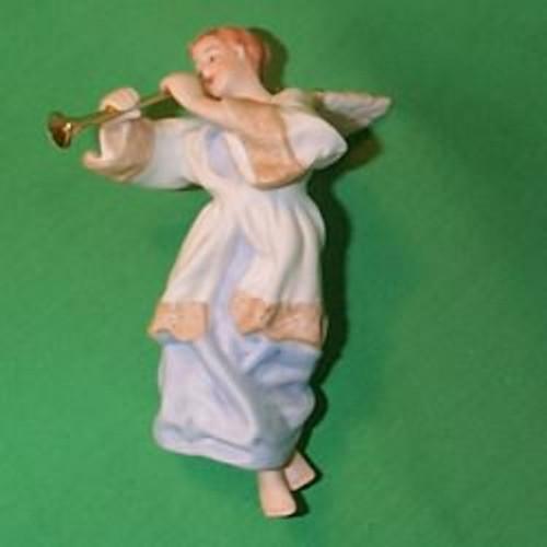 1985 Heavenly Trumpeter