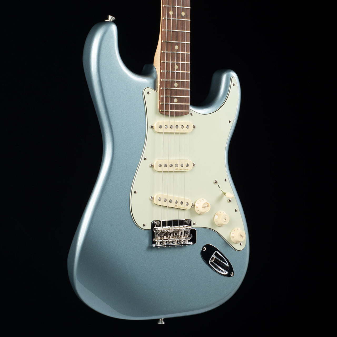 Fender Deluxe Roadhouse Stratocaster Mystic Ice Blue 8493 at Moore ...