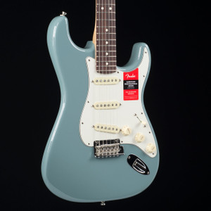 Fender American Professional Stratocaster Rosewood Sonic Gray 7100