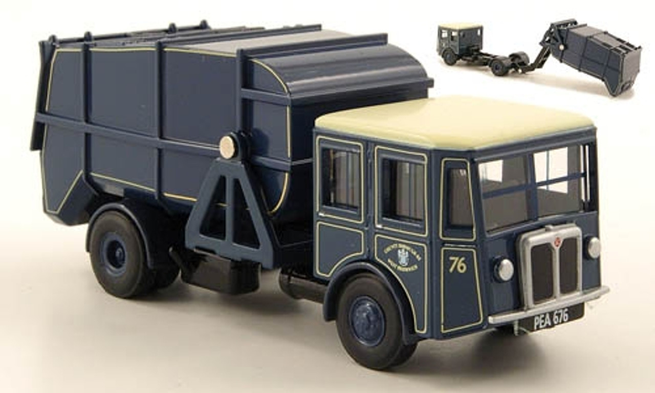 Oxford Diecast 1:76 Shelvoke Dewry Garbage Truck: County Borough
